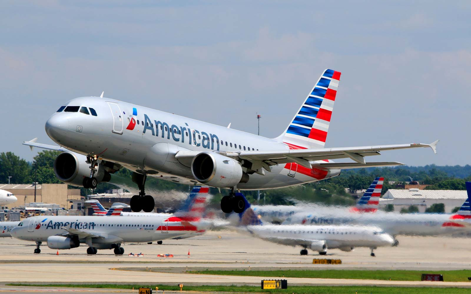 American Airlines customer service saves 2 lives in 1 day
