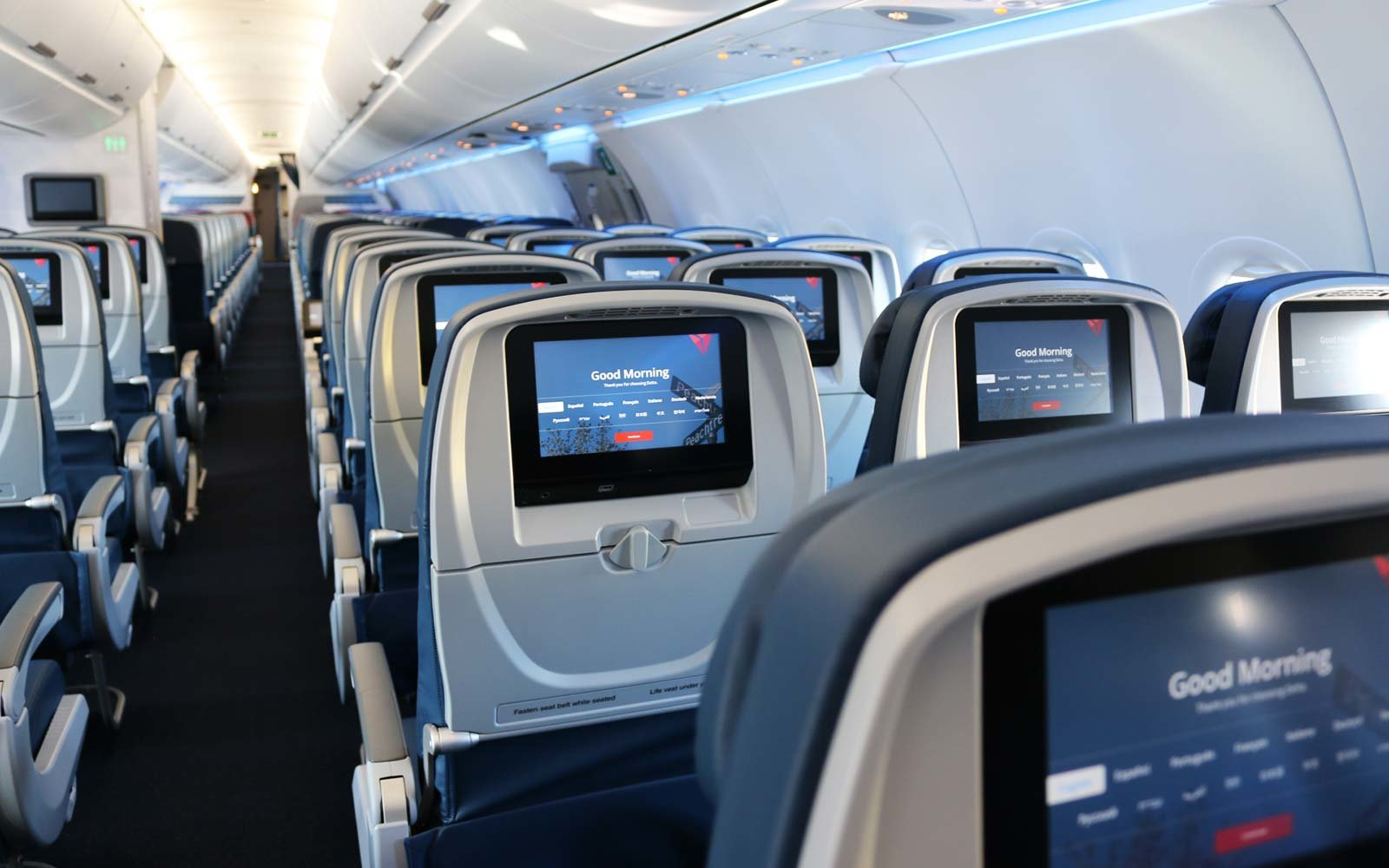 Delta Will Offer Passengers Up To 9 950 To Give Up Seats On Overbooked Flights Travel Leisure