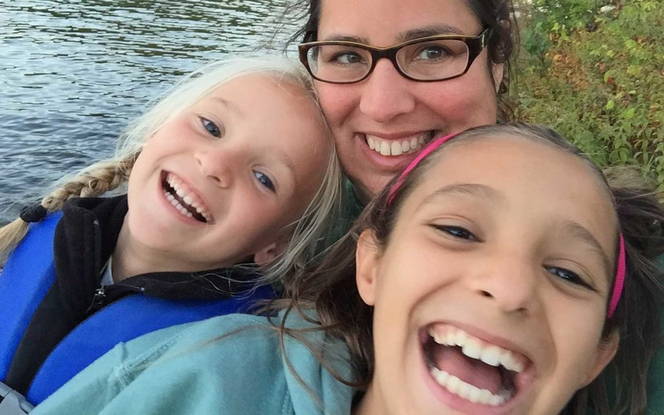 Sarah Blaine travels the world with her two daughters