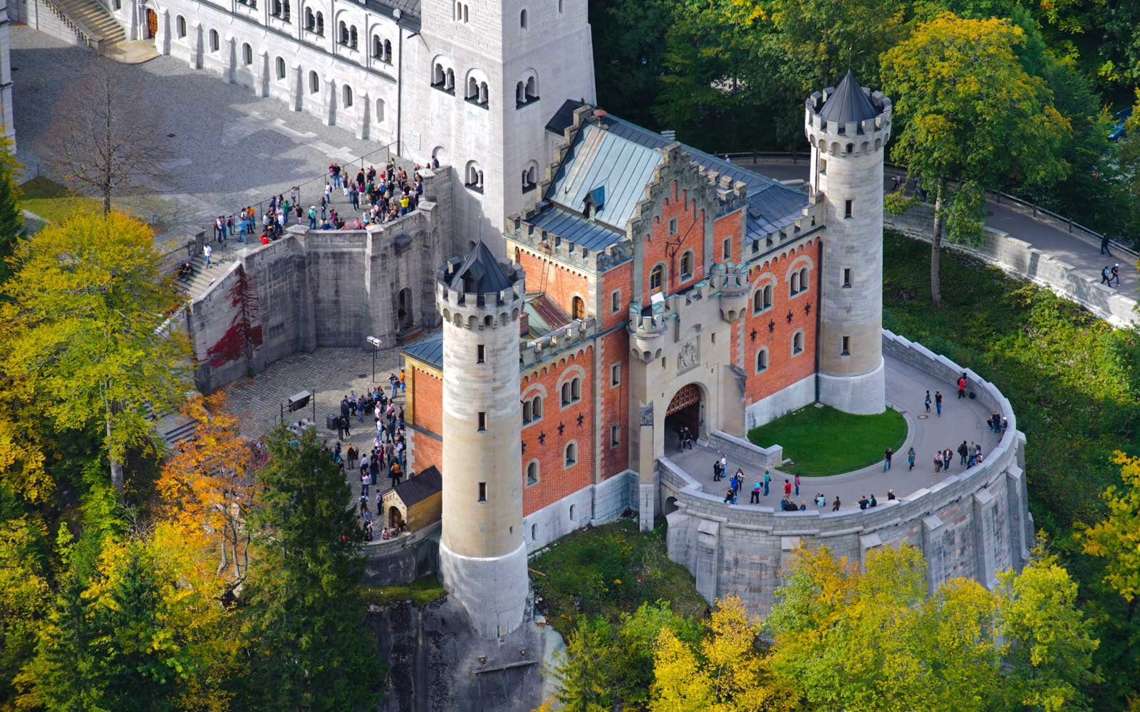 Why Was Neuschwanstein Castle Built