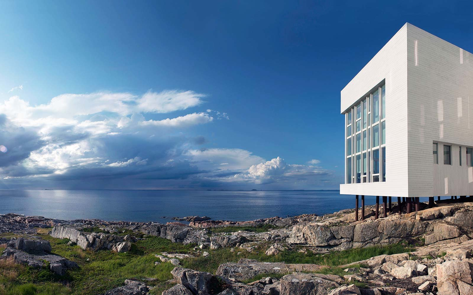 This Luxury Hotel On A Remote Canadian Island Is Like