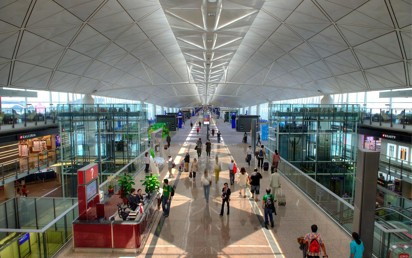 5. Hong Kong International (HKG)