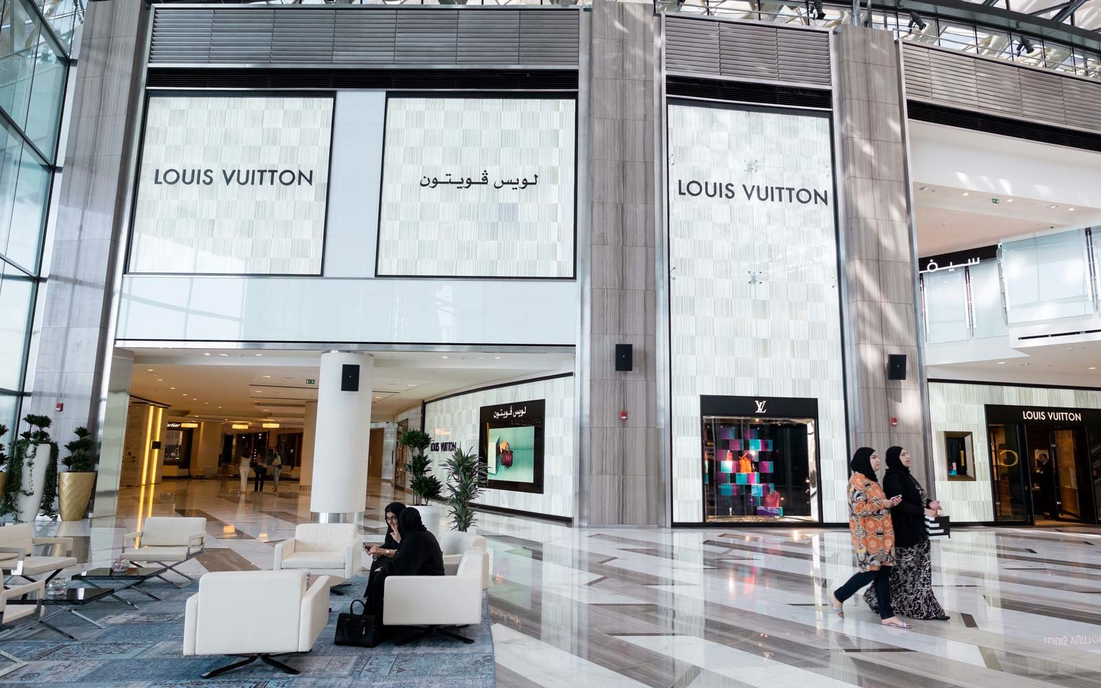 Eat drink and shop like a pro in abu dhabi travel for Hispano international decor abu dhabi