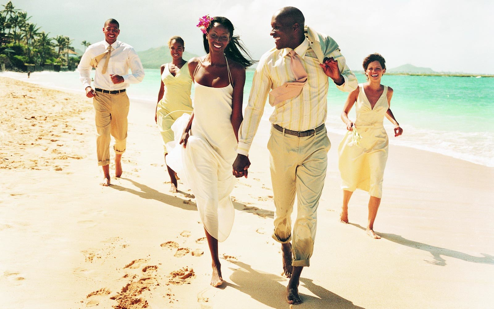 Travel-inspired gifts for a beach destination wedding
