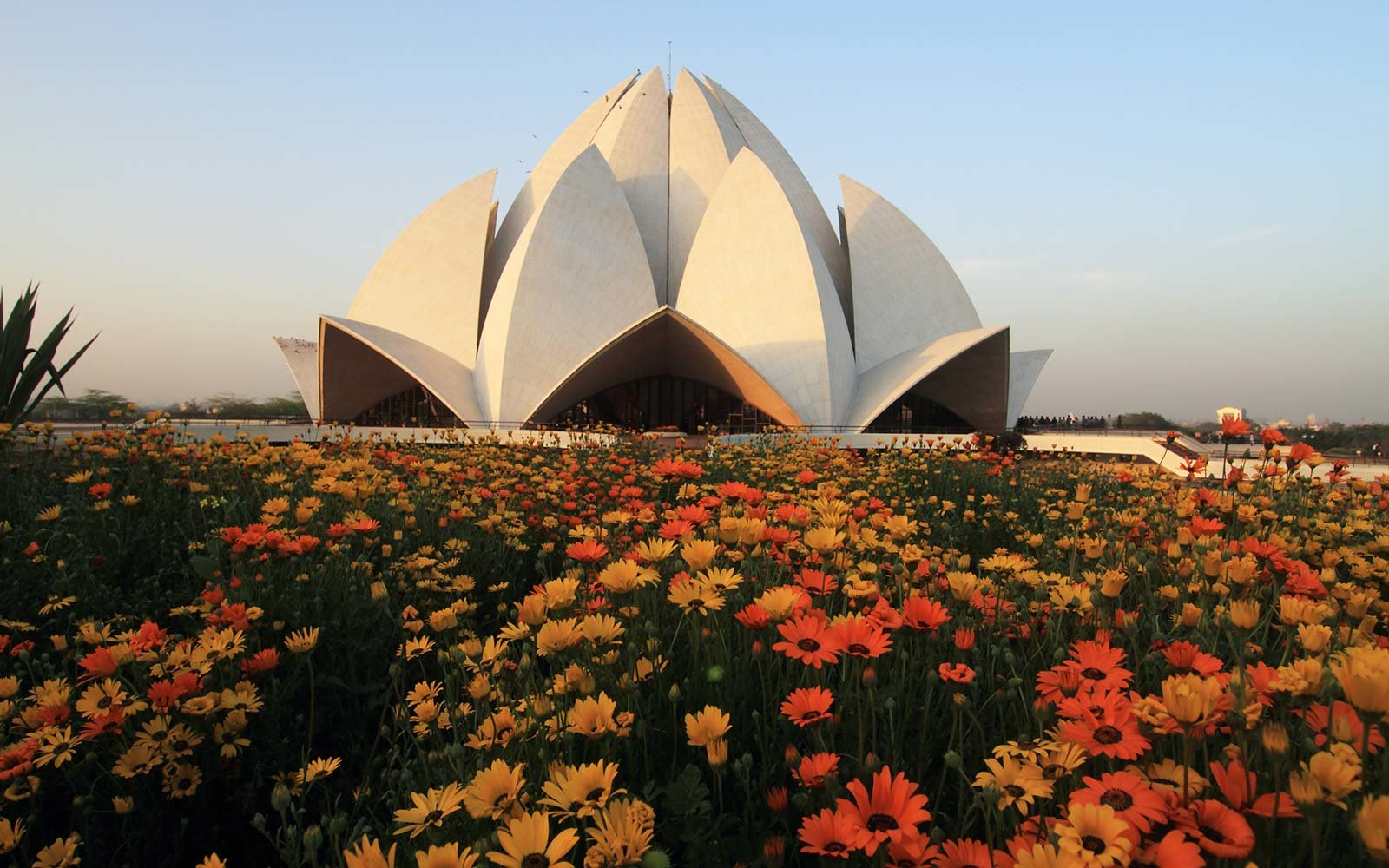 17 buildings that prove you dont need to be in nature to appreciate lotus temple new delhi india izmirmasajfo