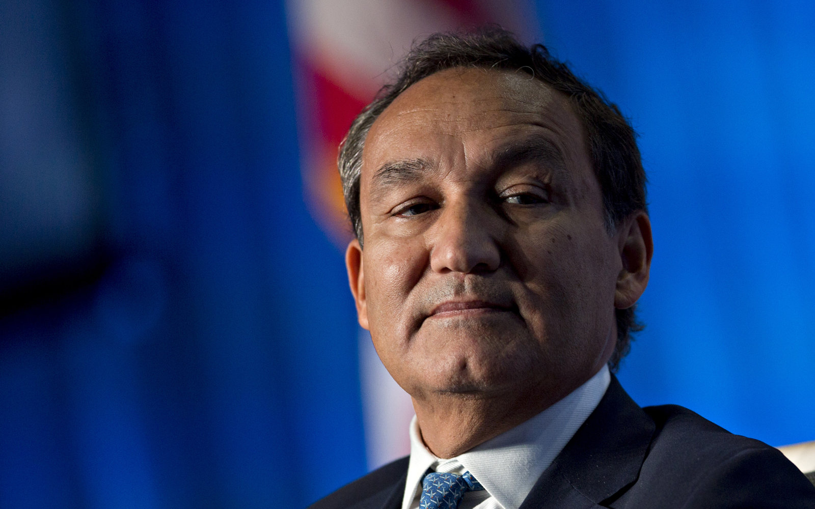 Oscar Munoz to be questioned by Congress on May 2, 2017.