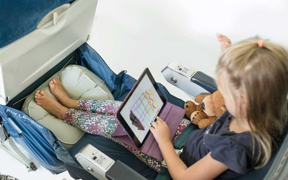 Device that lets children fly better on plane
