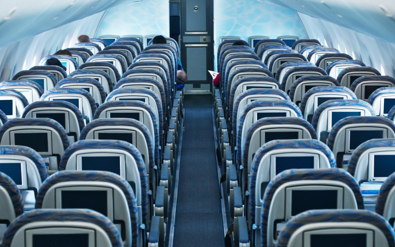Engineer Designs Better Economy Seats