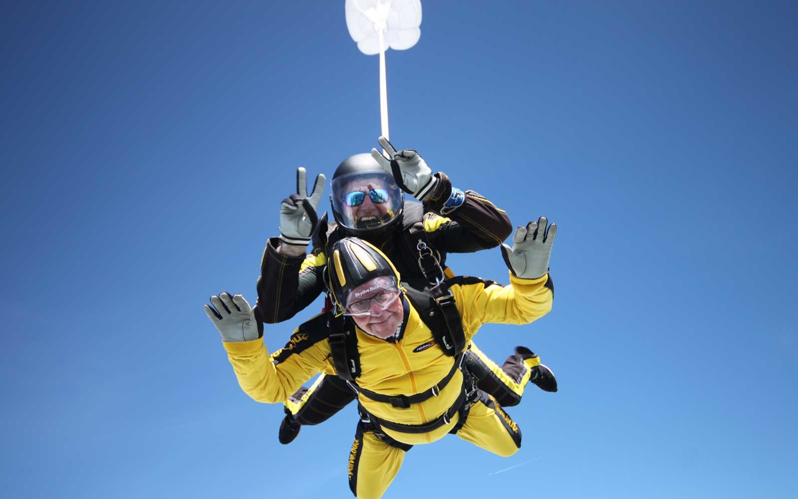 Verdun Hayes Oldest To Skydive