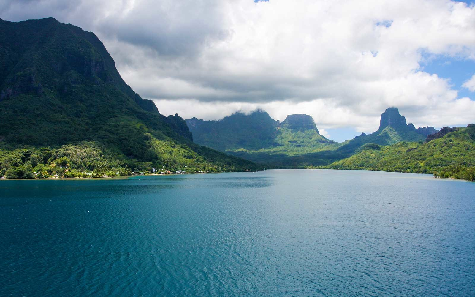 French Polynesia, Moorea Bay.