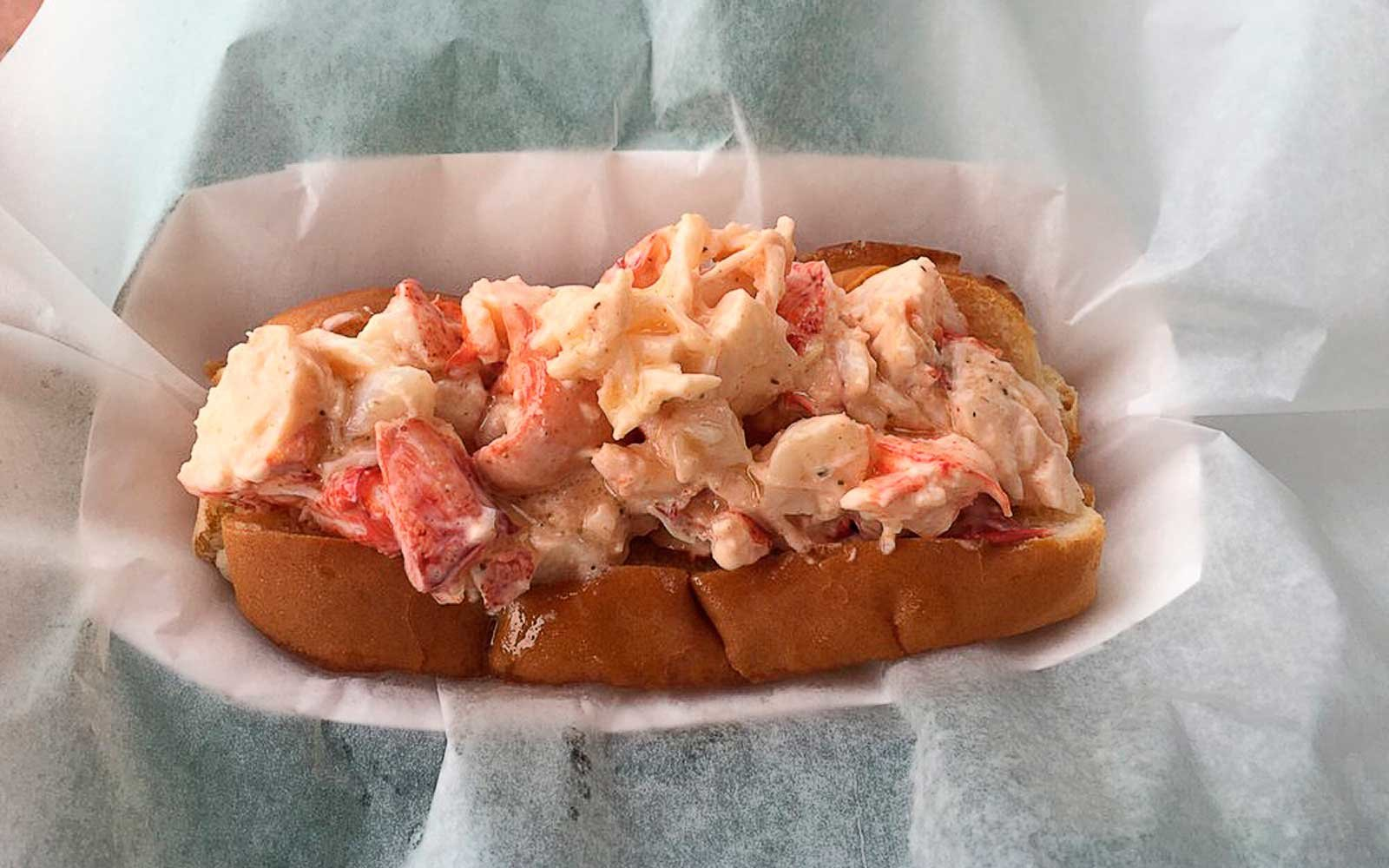 Best Lobster Rolls in Massachusetts