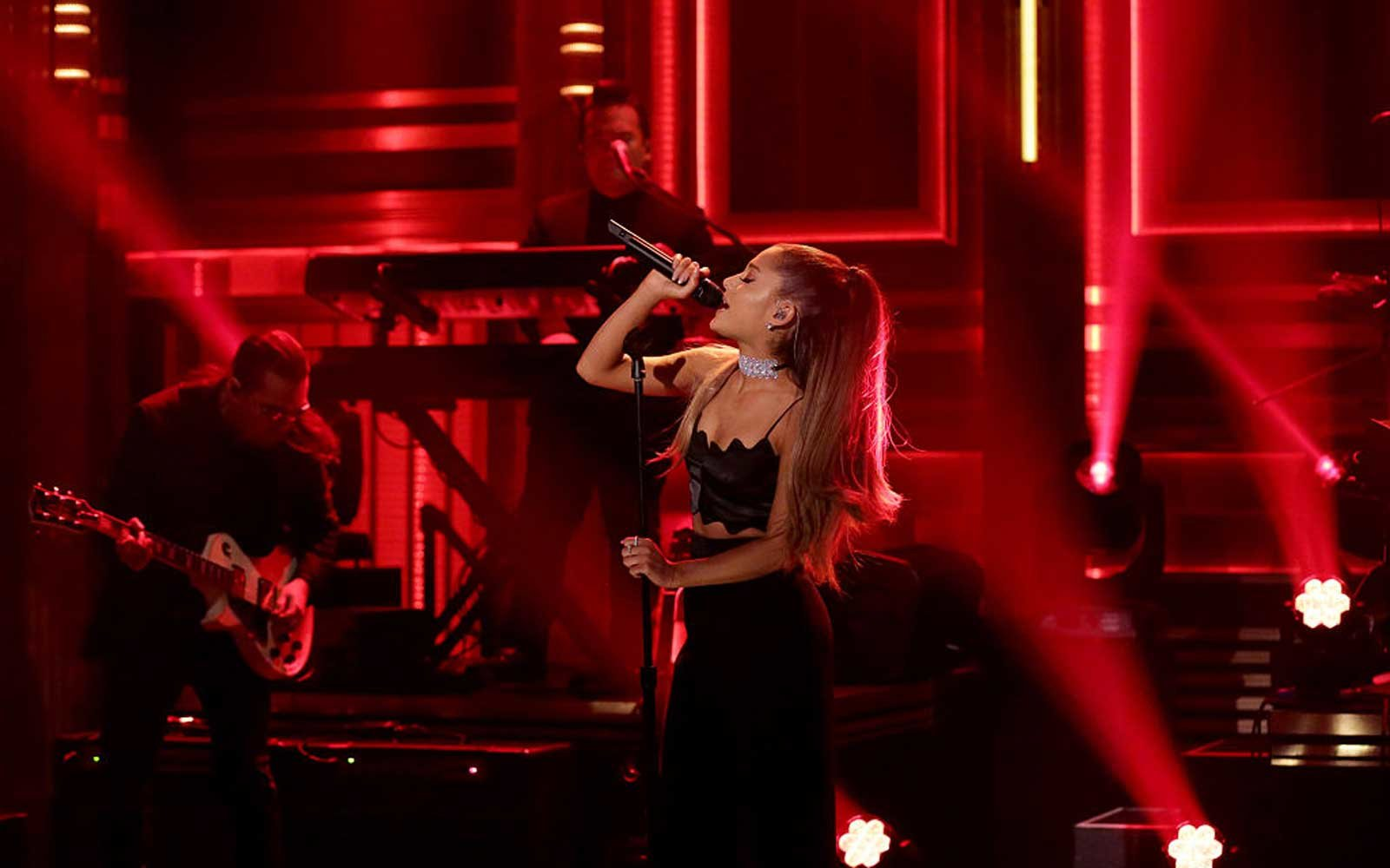 THE TONIGHT SHOW STARRING JIMMY FALLON -- Episode 0457 -- Pictured: Musical guest Ariana Grande performs on April 25, 2016 -- (Photo by: Andrew Lipovsky/NBC/NBCU Photo Bank via Getty Images)
