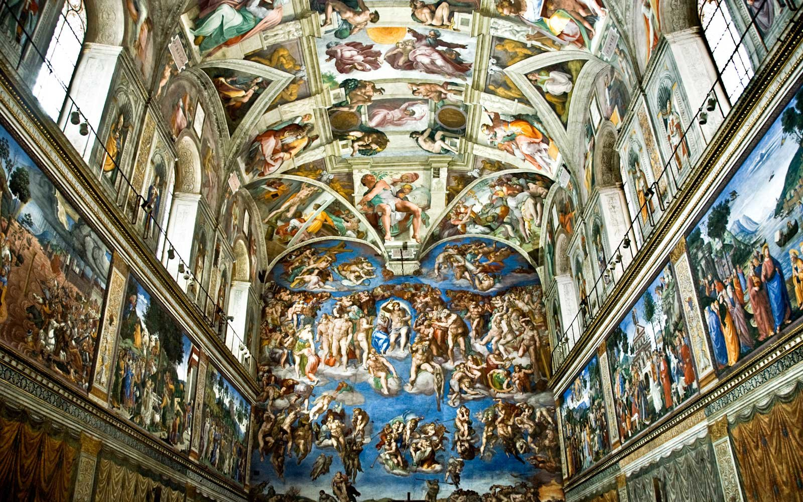 Sistine Chapel with Michelangelo Buonarroti's Last Judgement view
