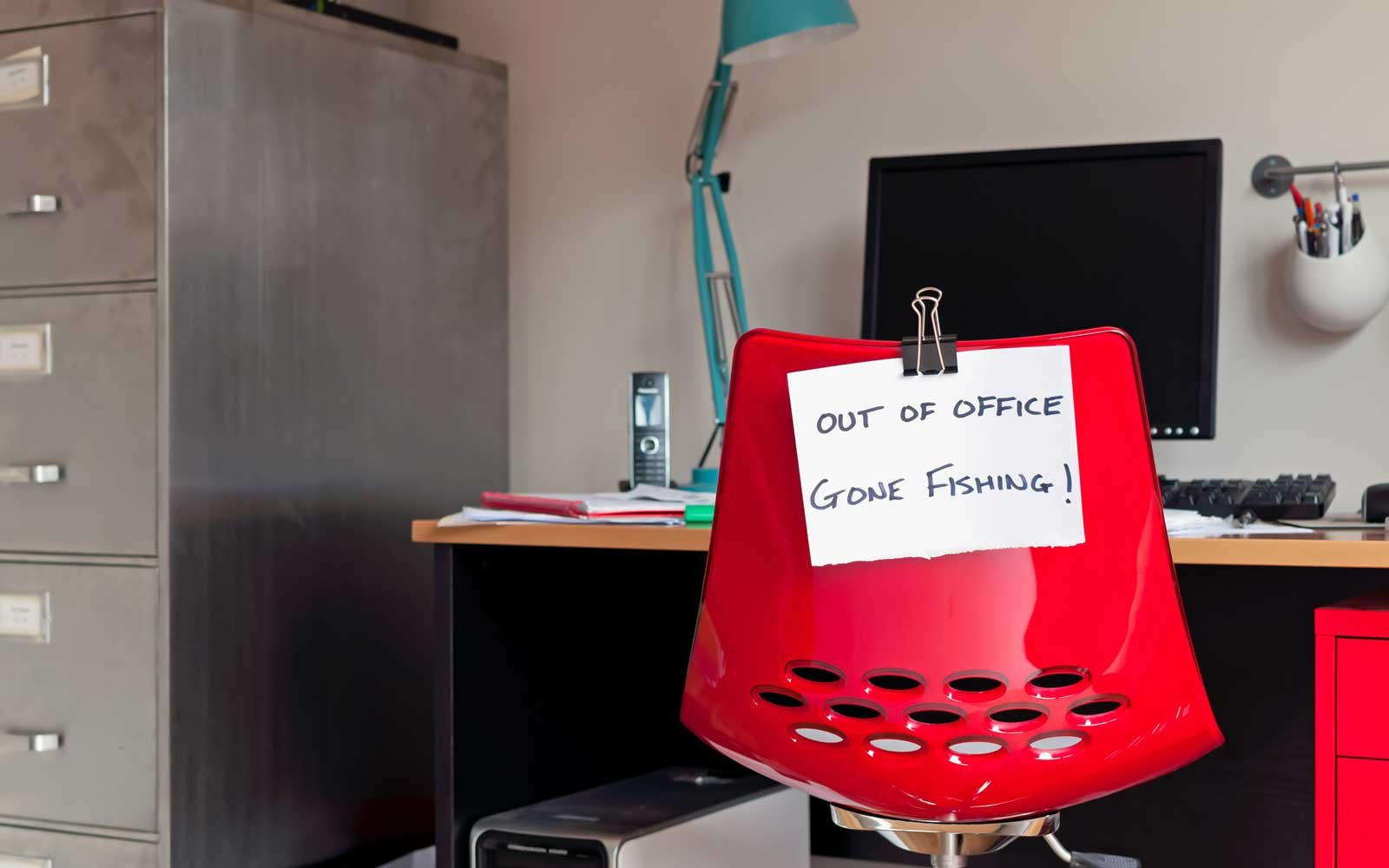 12 Hilarious Out Of Office Messages For Your Next Vacation