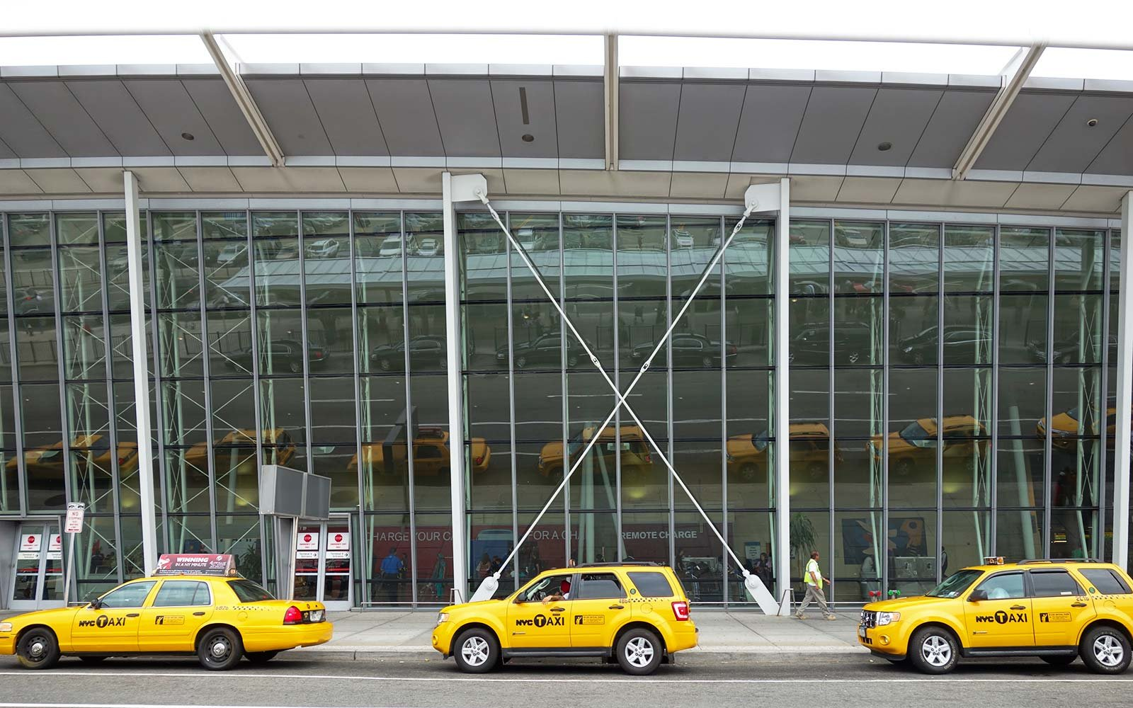 Taxis arrivals transportation JFK airport New York