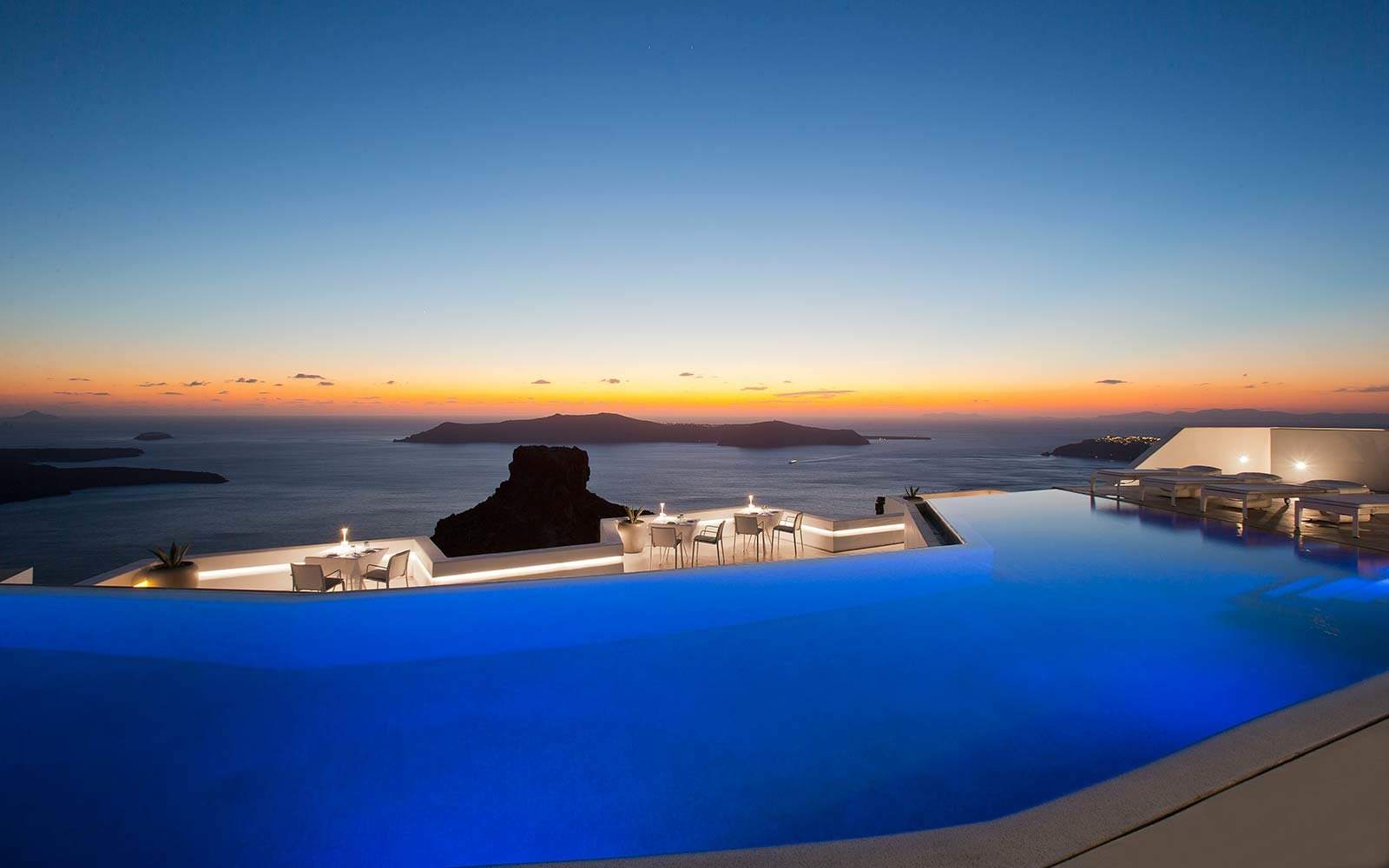 Swim over a volcano in santorini 39 s largest infinity pool travel leisure - Santorini infinity pool ...