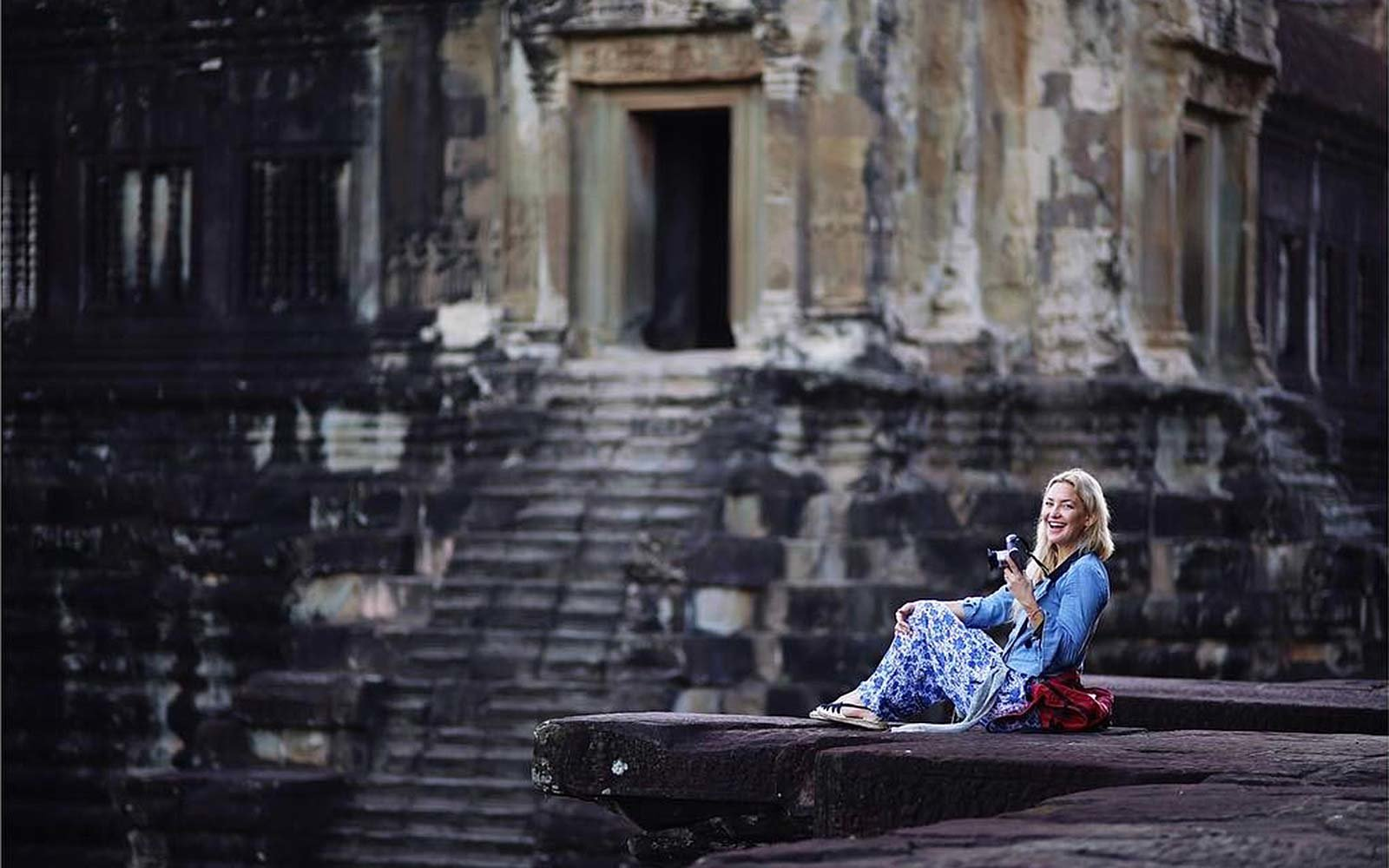 Kate Hudson Angkor Wat Cambodia travel