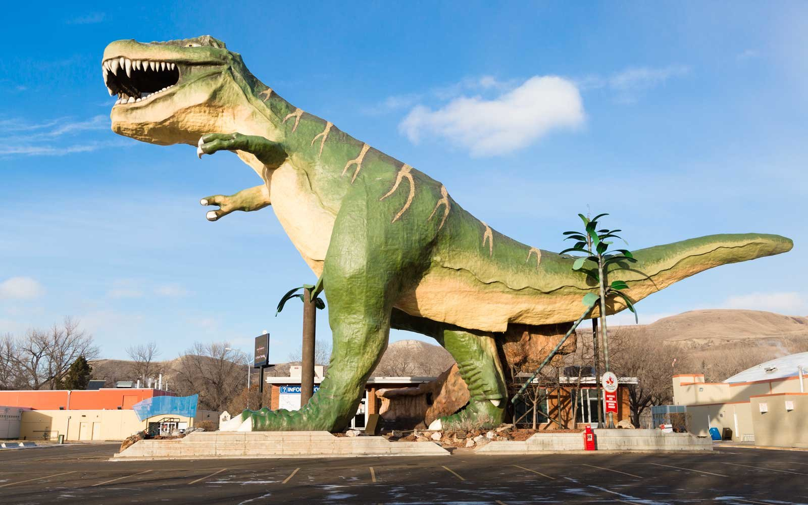 "The ""World's Largest Dinosaur"" is the name of a model Tyrannosaurus rex located in the town of Drumheller, Alberta, Canada."
