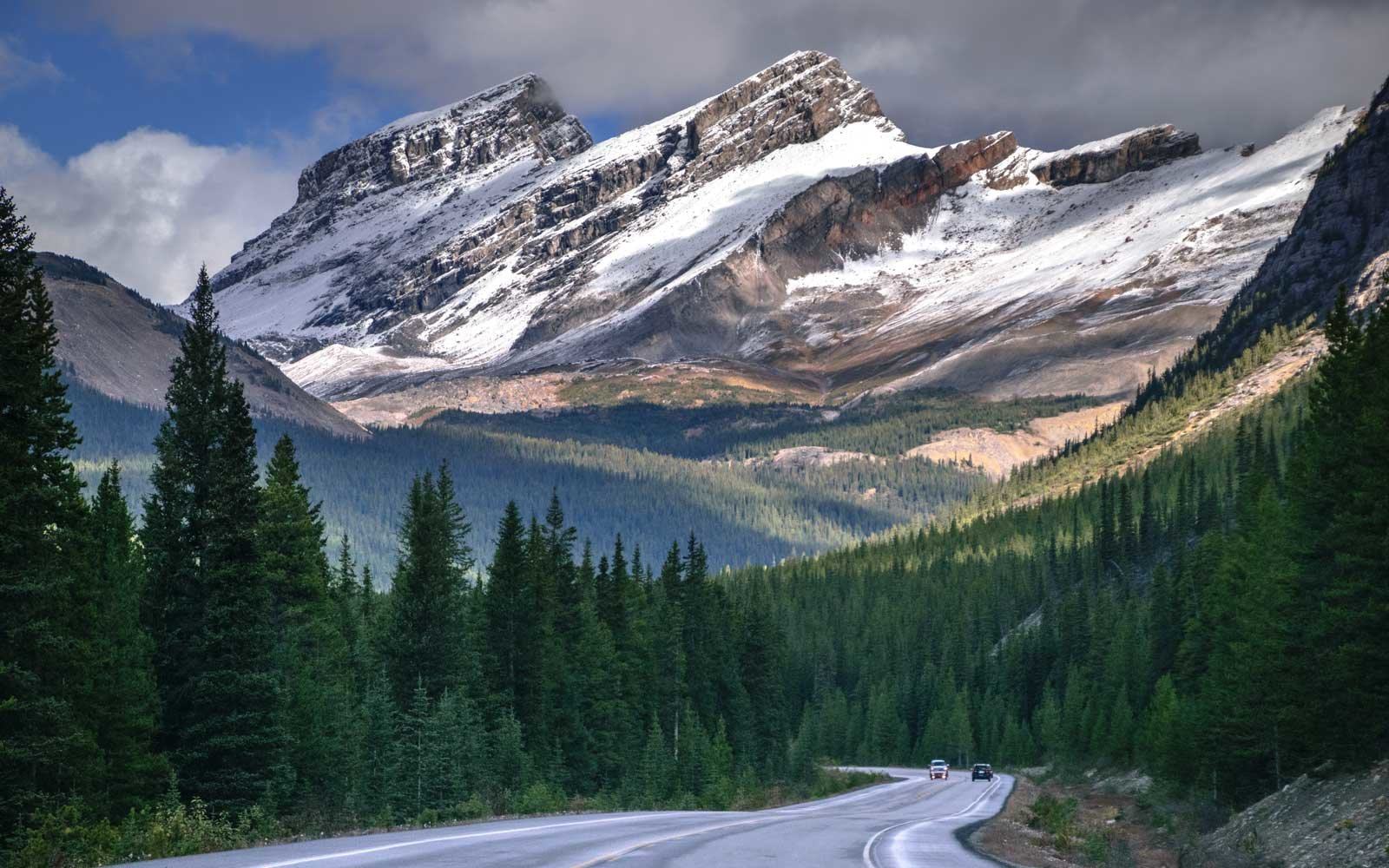 Autumn scenic drive in Canadian Rocky mountains, along the world famous Icefields Parkway (Highway 93), in Alberta province of Canada.