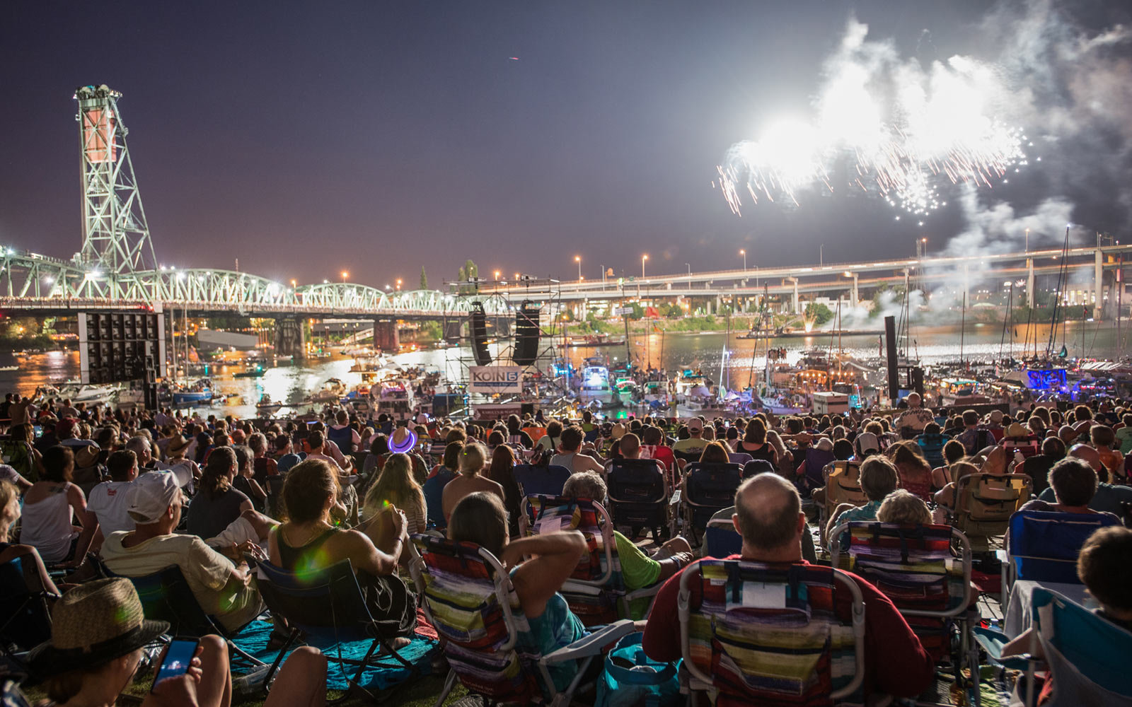 The best fourth of july fireworks in every u s state for Holiday craft fairs portland oregon
