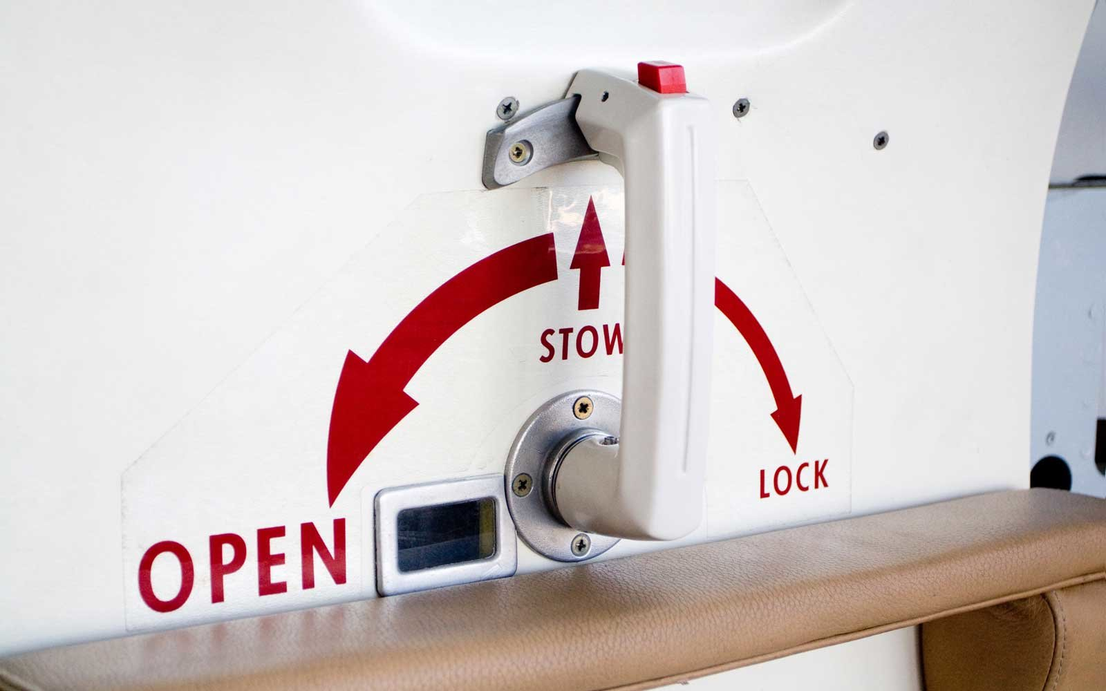 Airplane door handle & What Would Happen If You Tried to Open the Emergency Exit Door on ... Pezcame.Com