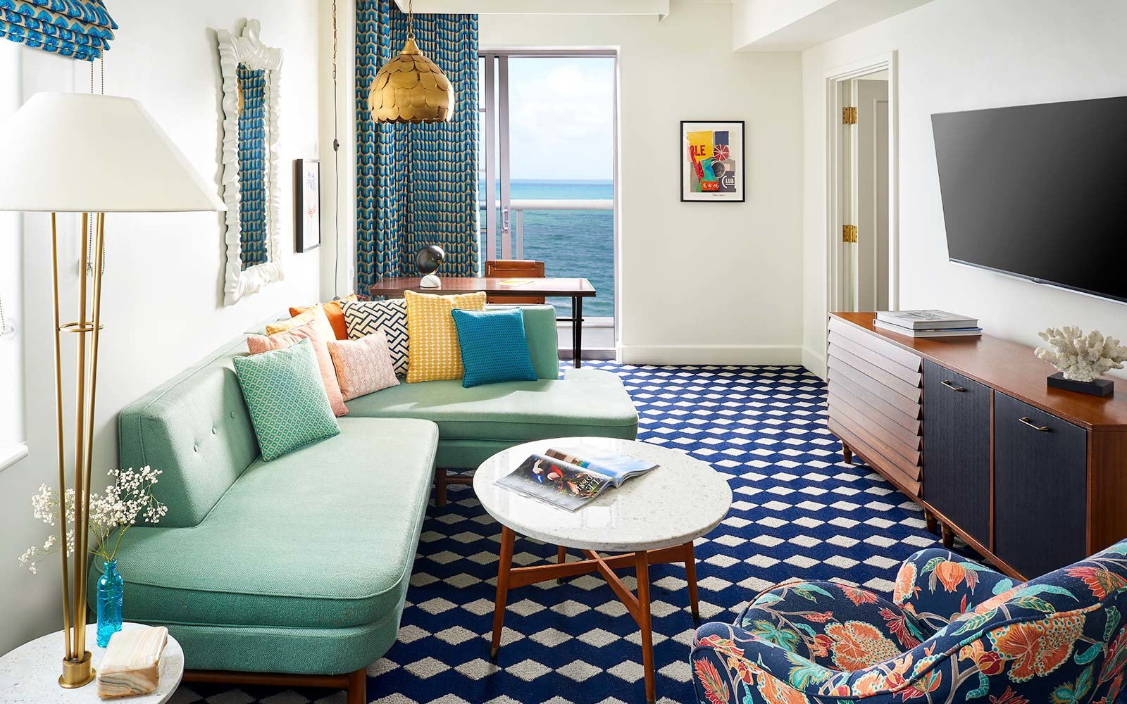 Living Room 50 Off get 50% off a last-minute hotel room upgrade with this app