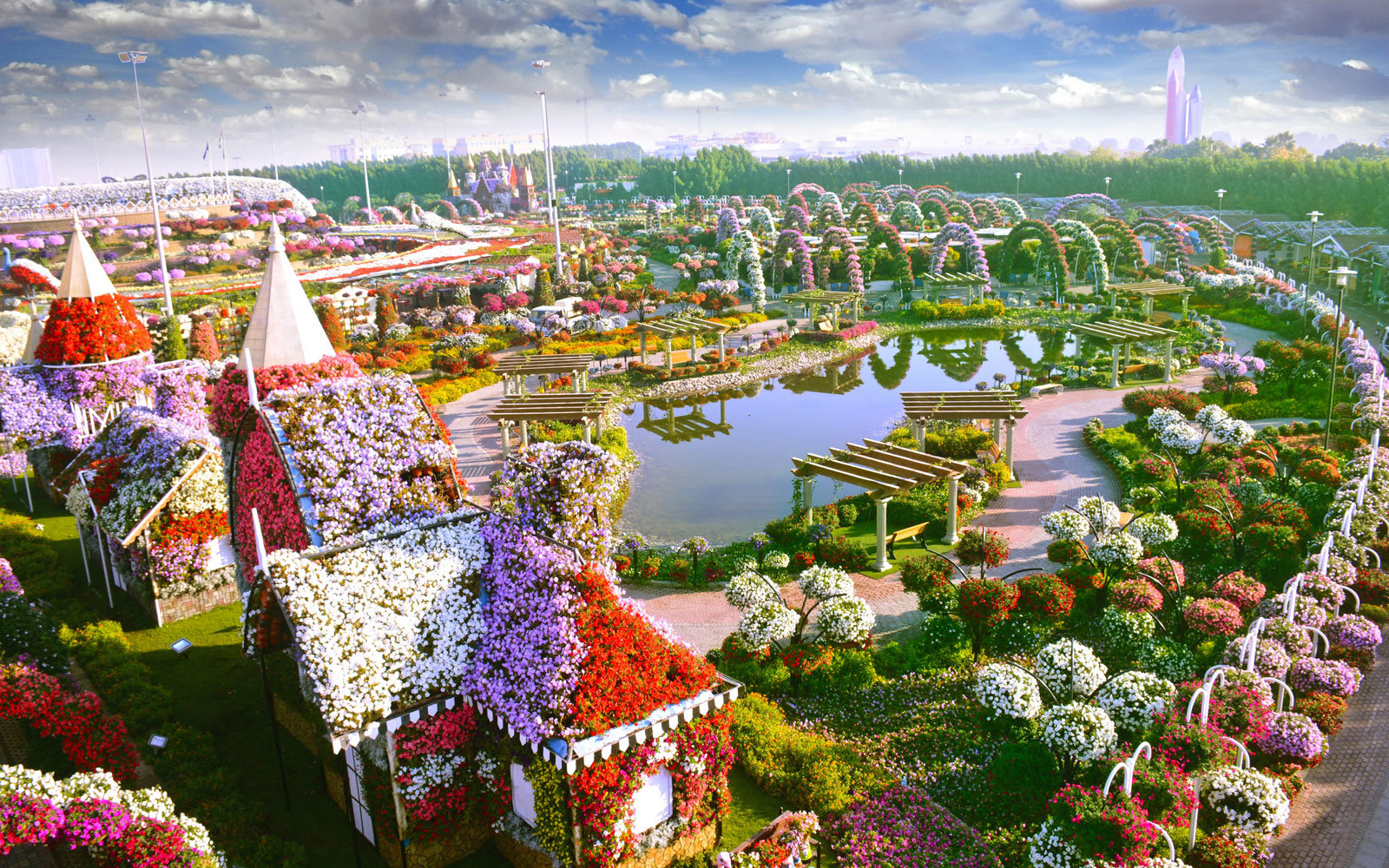 The World's Biggest Flower Garden Sits in the Middle of a ... - photo#9