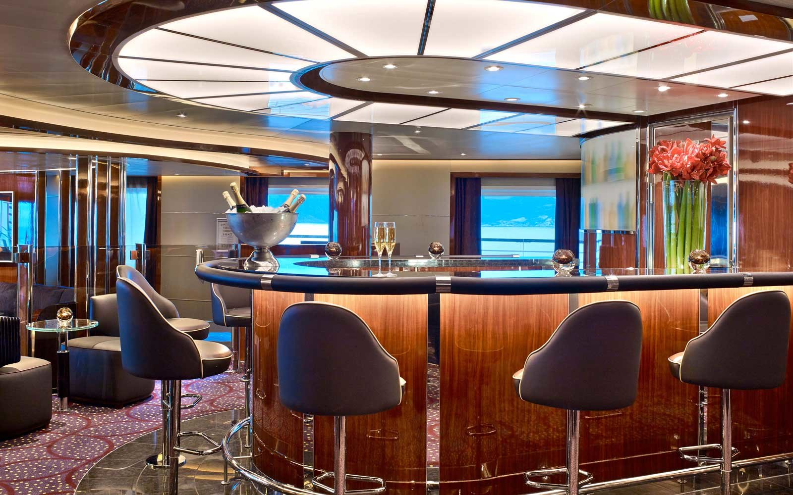 Nighlife on the Seabourn Encore