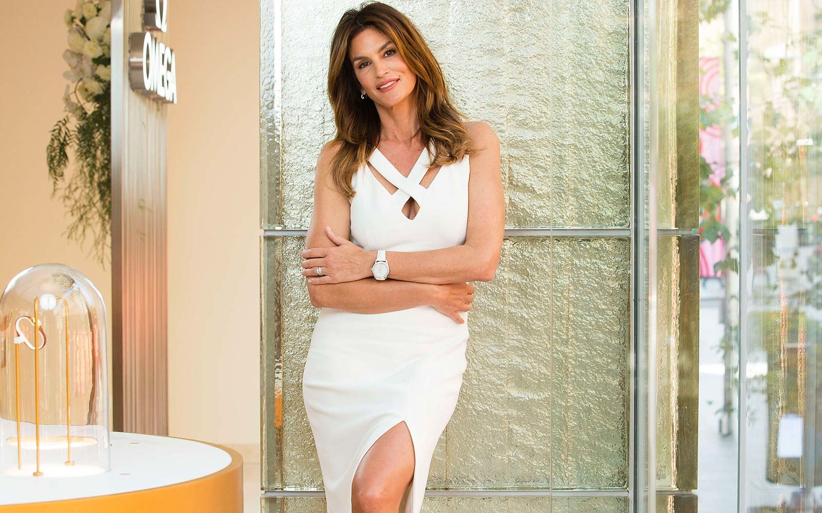 Inside Cindy Crawford S Gorgeous Canadian Lake House Travel Leisure