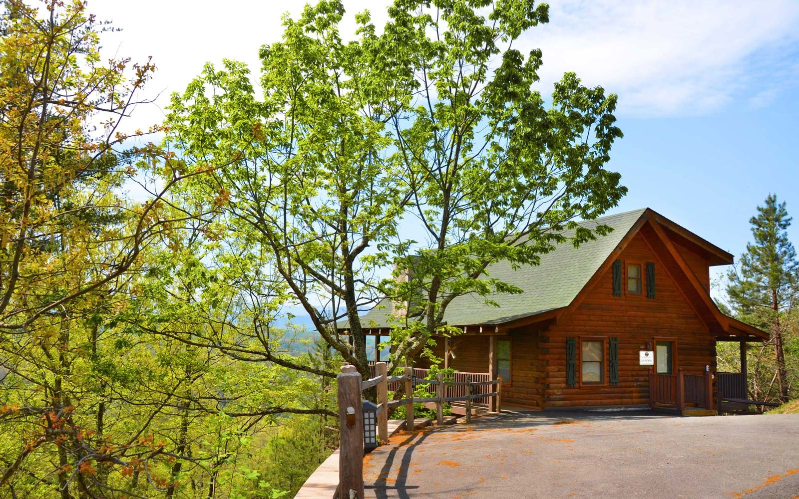 mountain tennessee bedroom cabins smoky tn a chalets rentals best in laurel cabin cottage gatlinburg