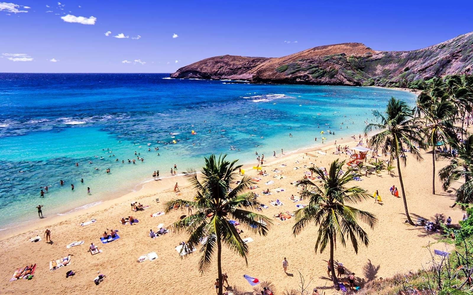 USA, Hawaii, Oahu, Hanauma Bay Nature Preserve, a Nature Preserve and a Marine Life Conservation District inside a volcanic crater