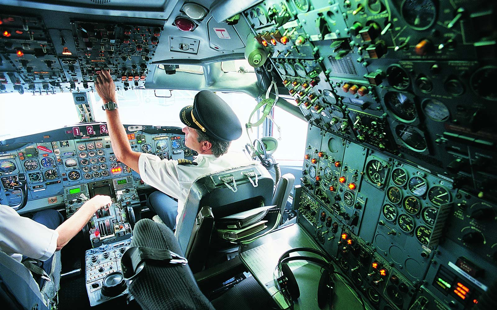 5 Buttons You Hope Your Pilot Never Has To Push Travel
