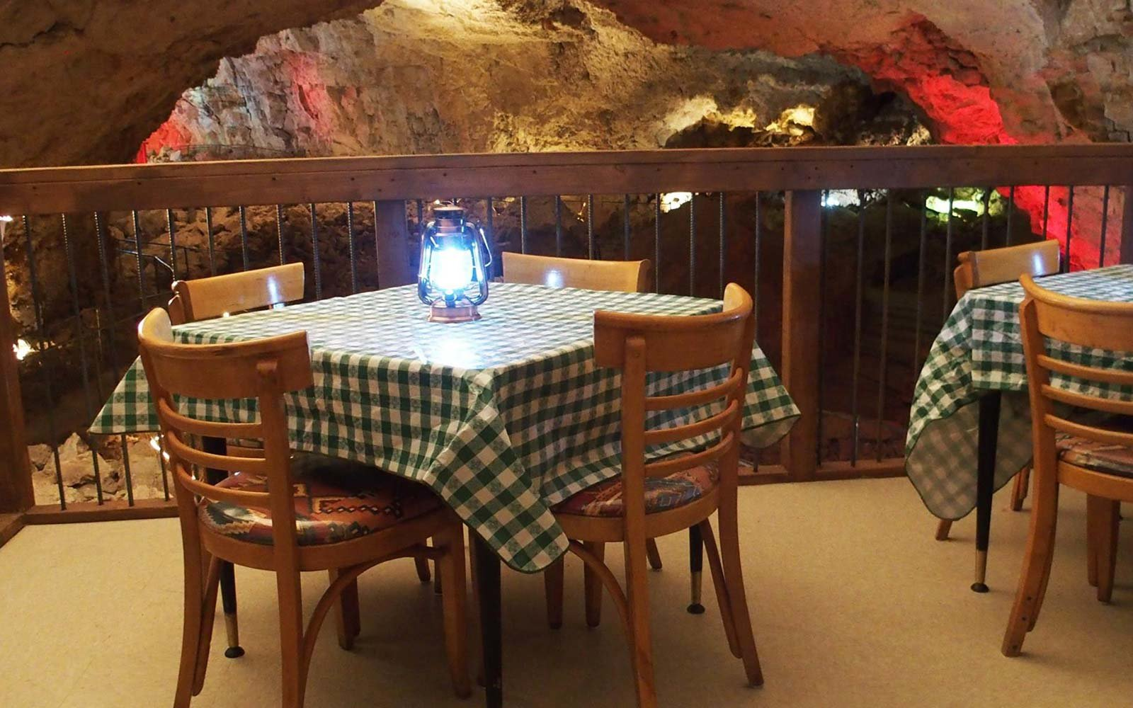There S A Restaurant In A Cave In Arizona 210 Feet