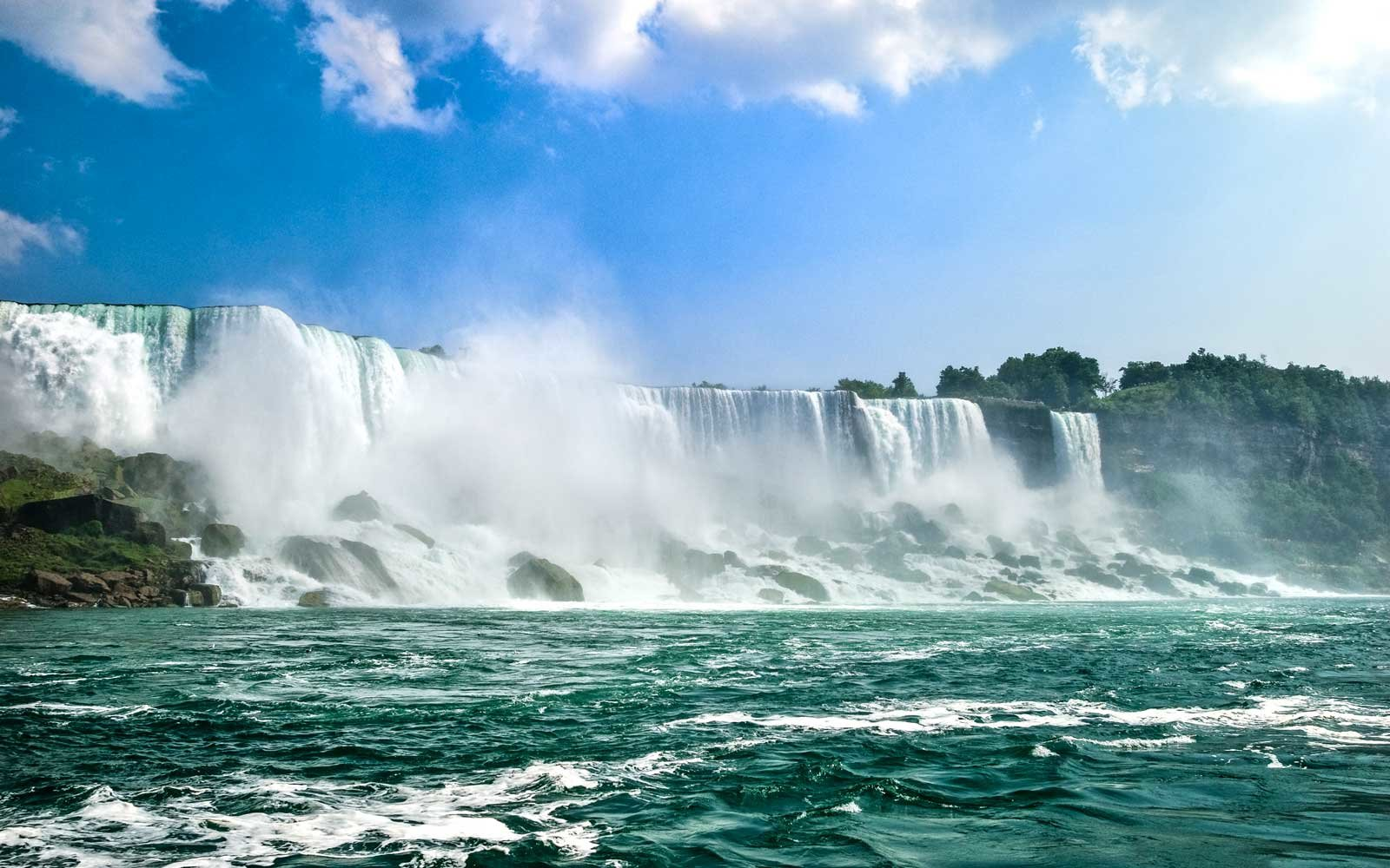 Watch the Next Eclipse from Niagara Falls