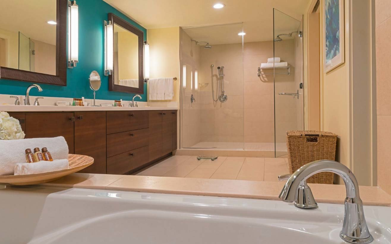 Sheraton Puerto Rico Hotel   Casino. 20 Hotel Bathrooms That Will Have You Spending Vacation in the Tub