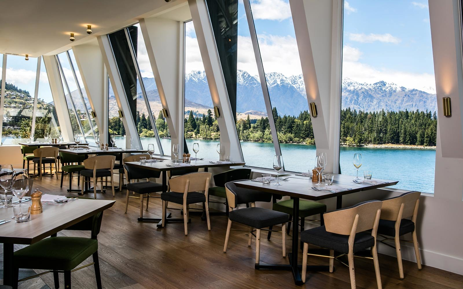 Exclusive first look at qt queenstown new zealand s for Exclusive boutique hotels