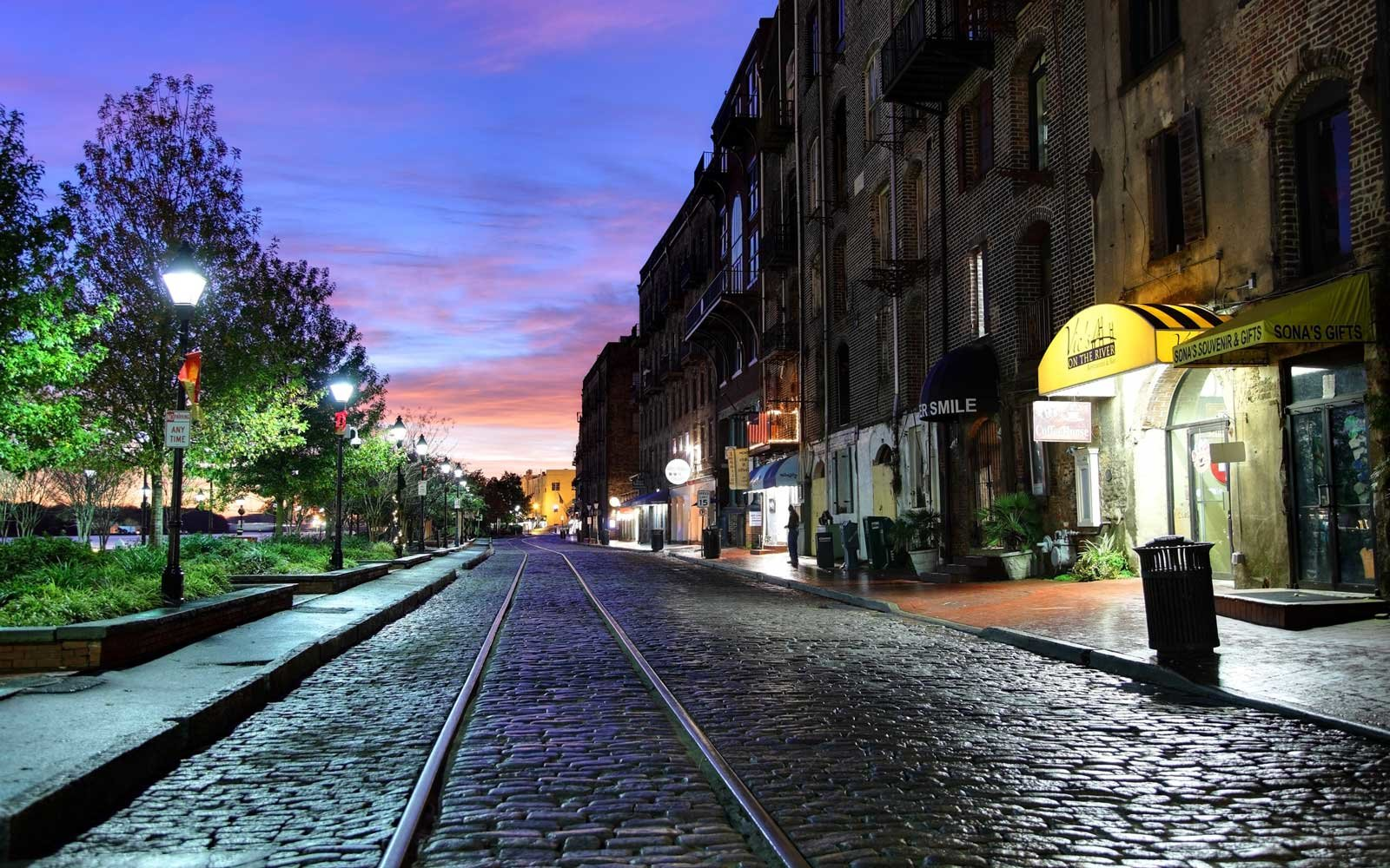 Early morning on the historic cobblestoned River Street lined with pubs and restaurants.