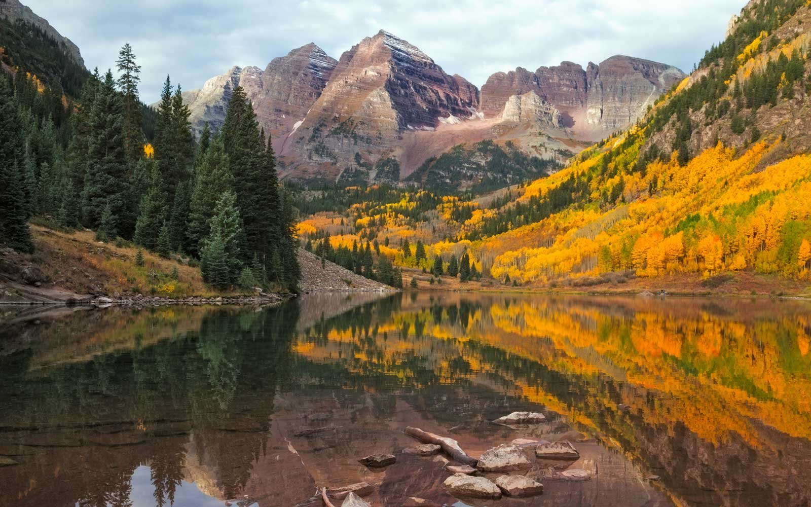 Fall Foliage at Maroon Bells Peaks near Aspen Colorado