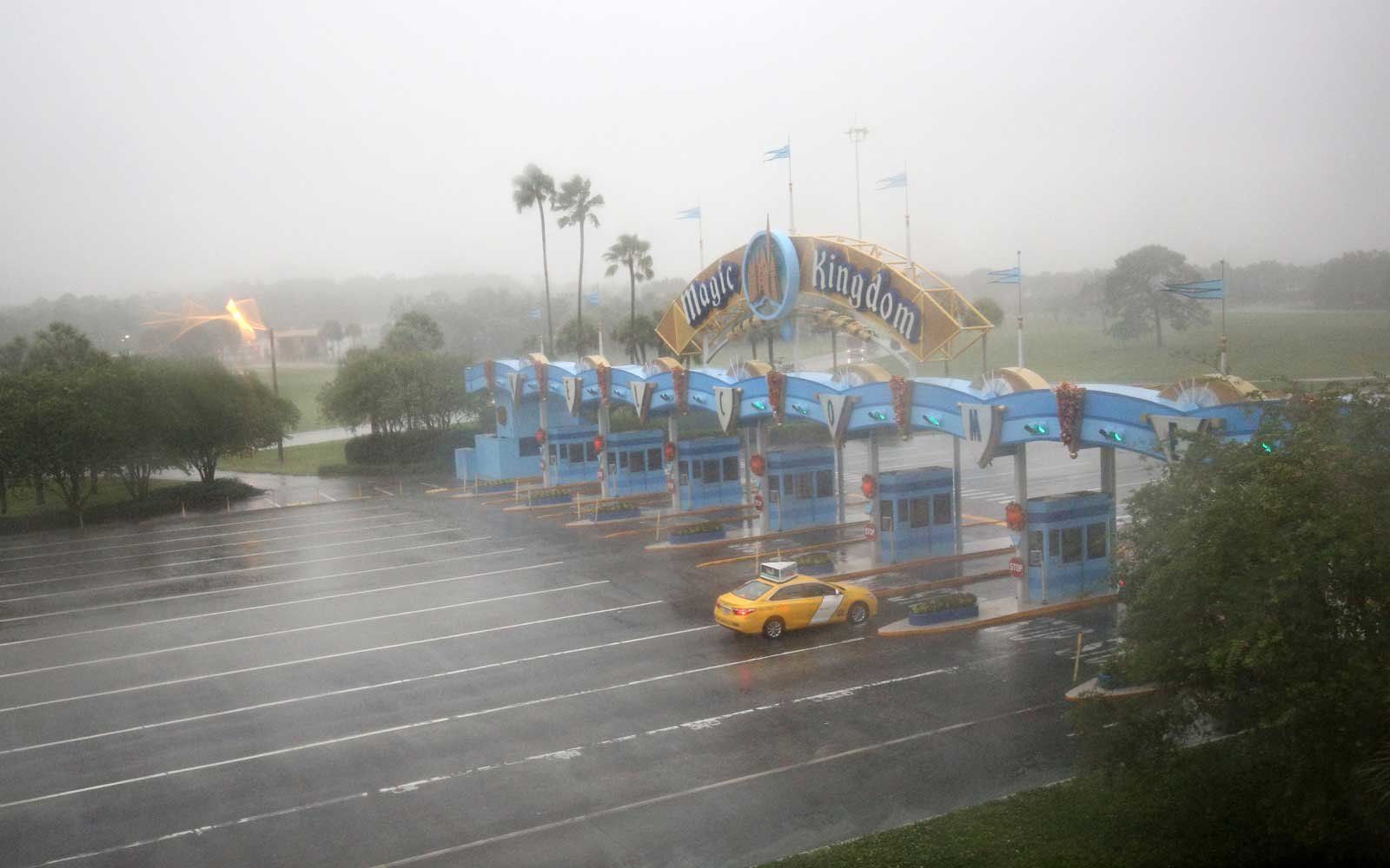 Disney world Hurricanes Closures