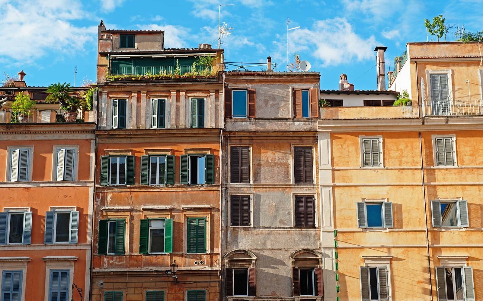 8 of the top airbnbs in rome for your money travel leisure for Great small hotels italy