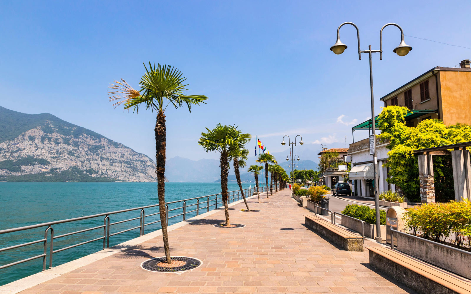 Lake Iseo boardwalk