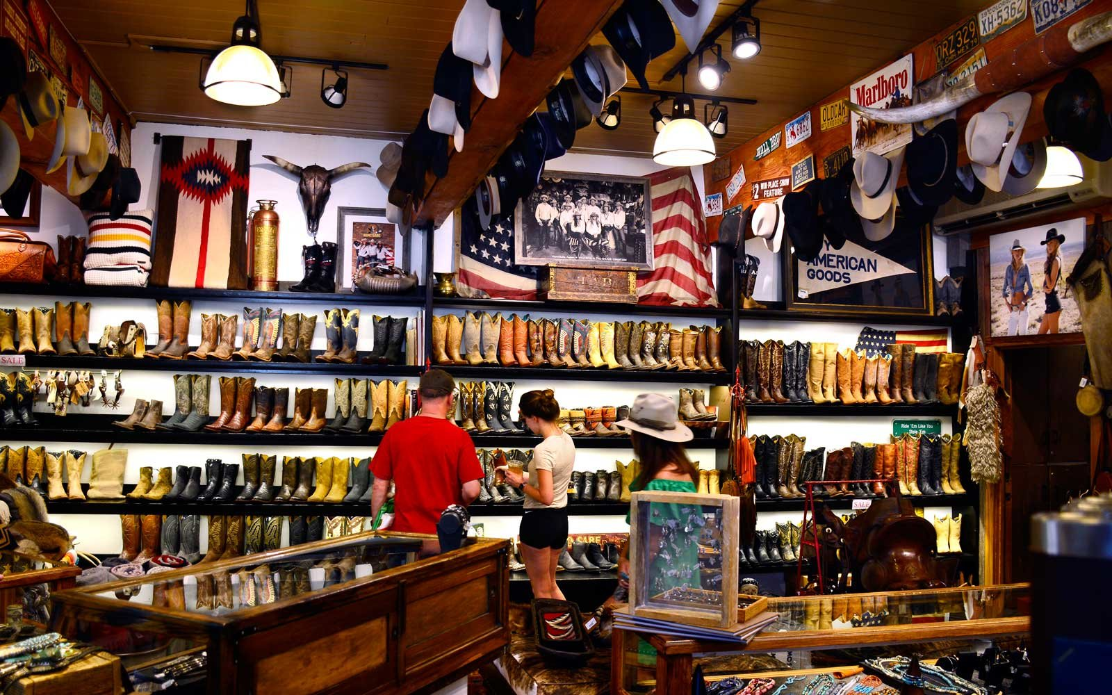 Shopping in Aspen Colorado