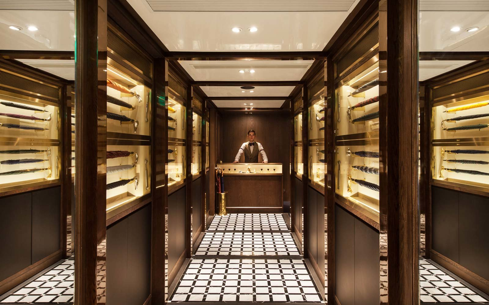 Hidden Secret Bars Around the World Foxglove Hong Kong