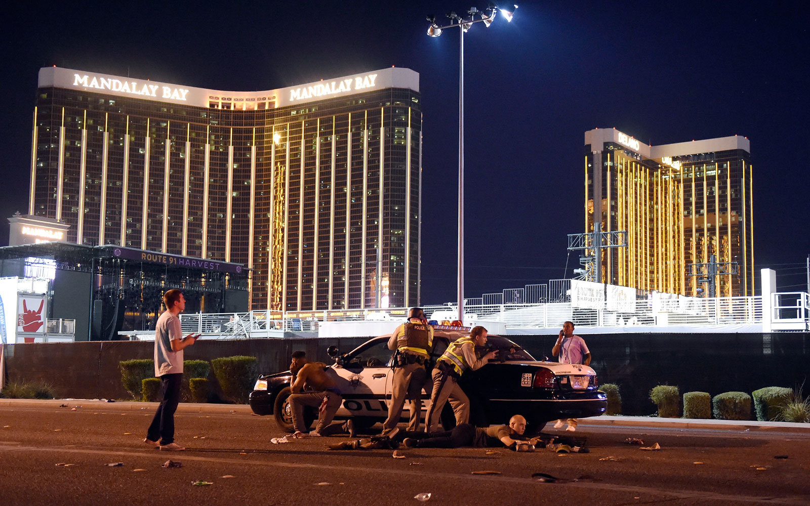 las vegas shooting hotels and airport reopen after deadly concert