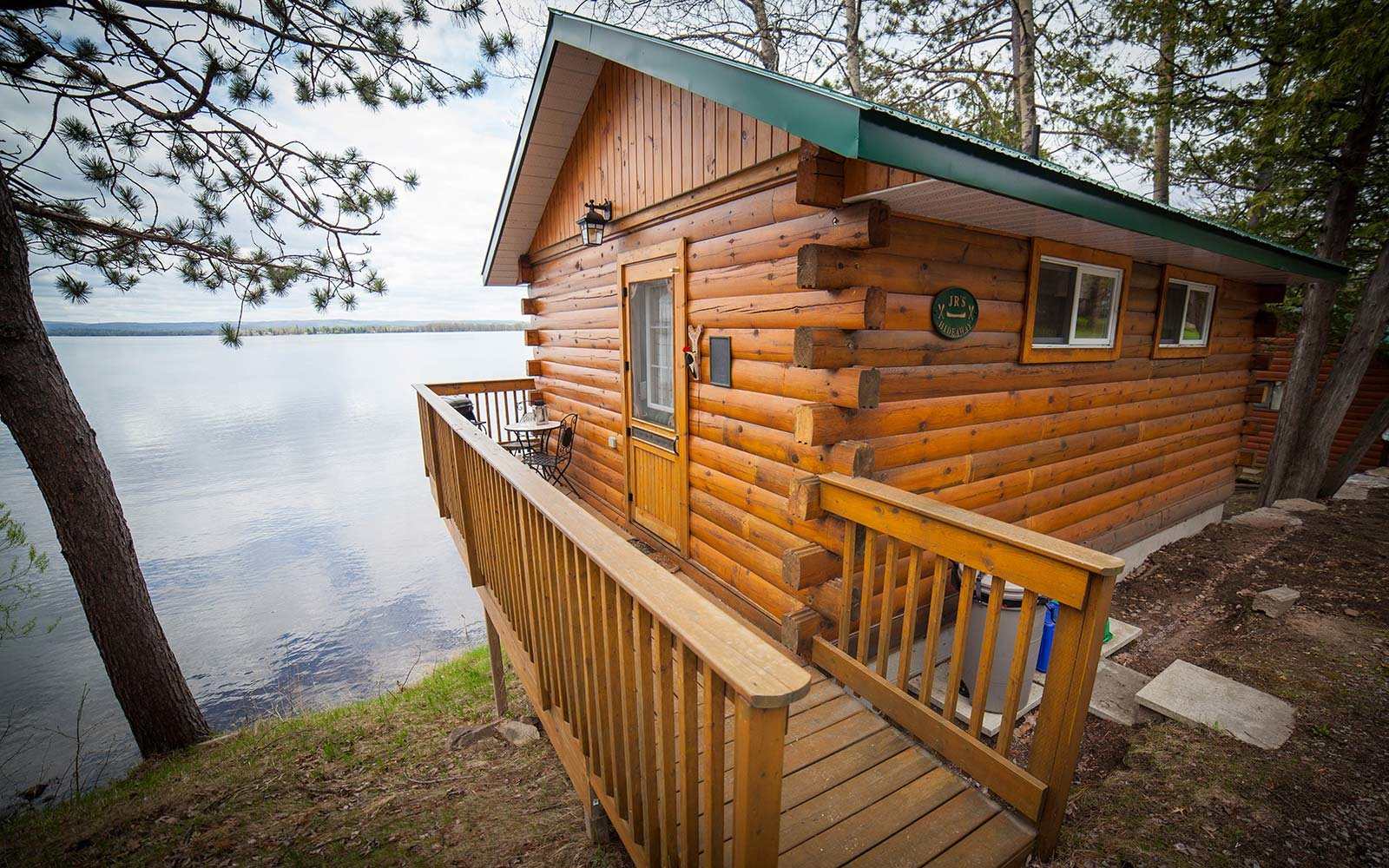Airbnb Holiday Vacation Rental Treetop Golden lake Ontario Canada