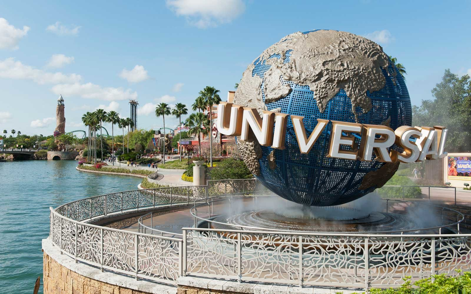 universal orlando is hiring for 3 000 jobs and perks include park guest passes travel leisure. Black Bedroom Furniture Sets. Home Design Ideas
