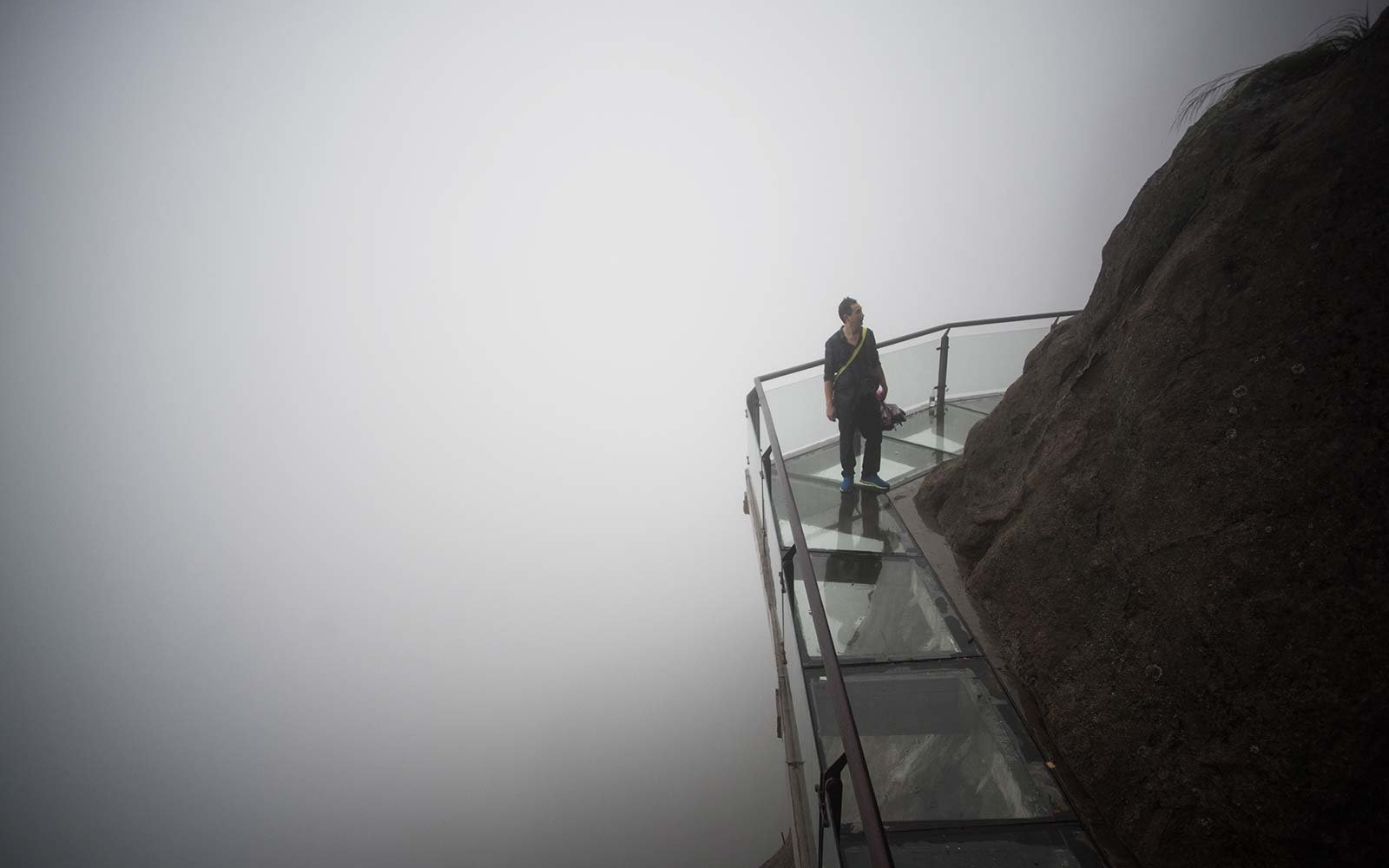 Glass Bridge Skywalk taihang mountain china