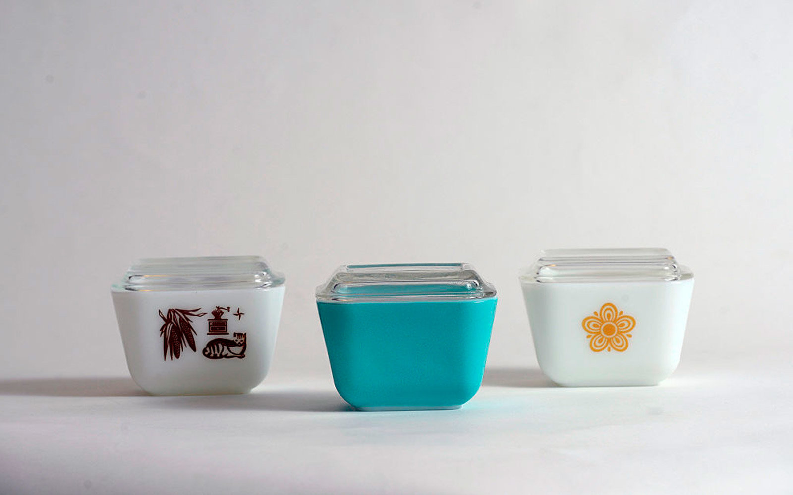One of the most popular type of dishes from Pyrex is the refrigerator dish.