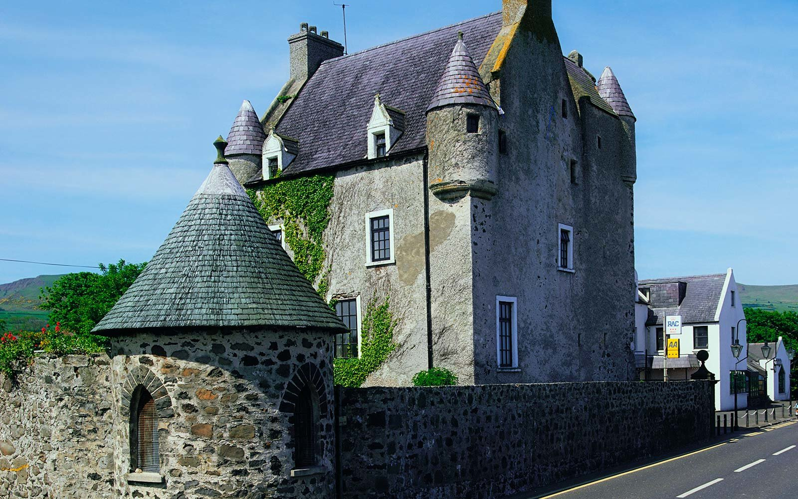 ballygally castle ireland haunted