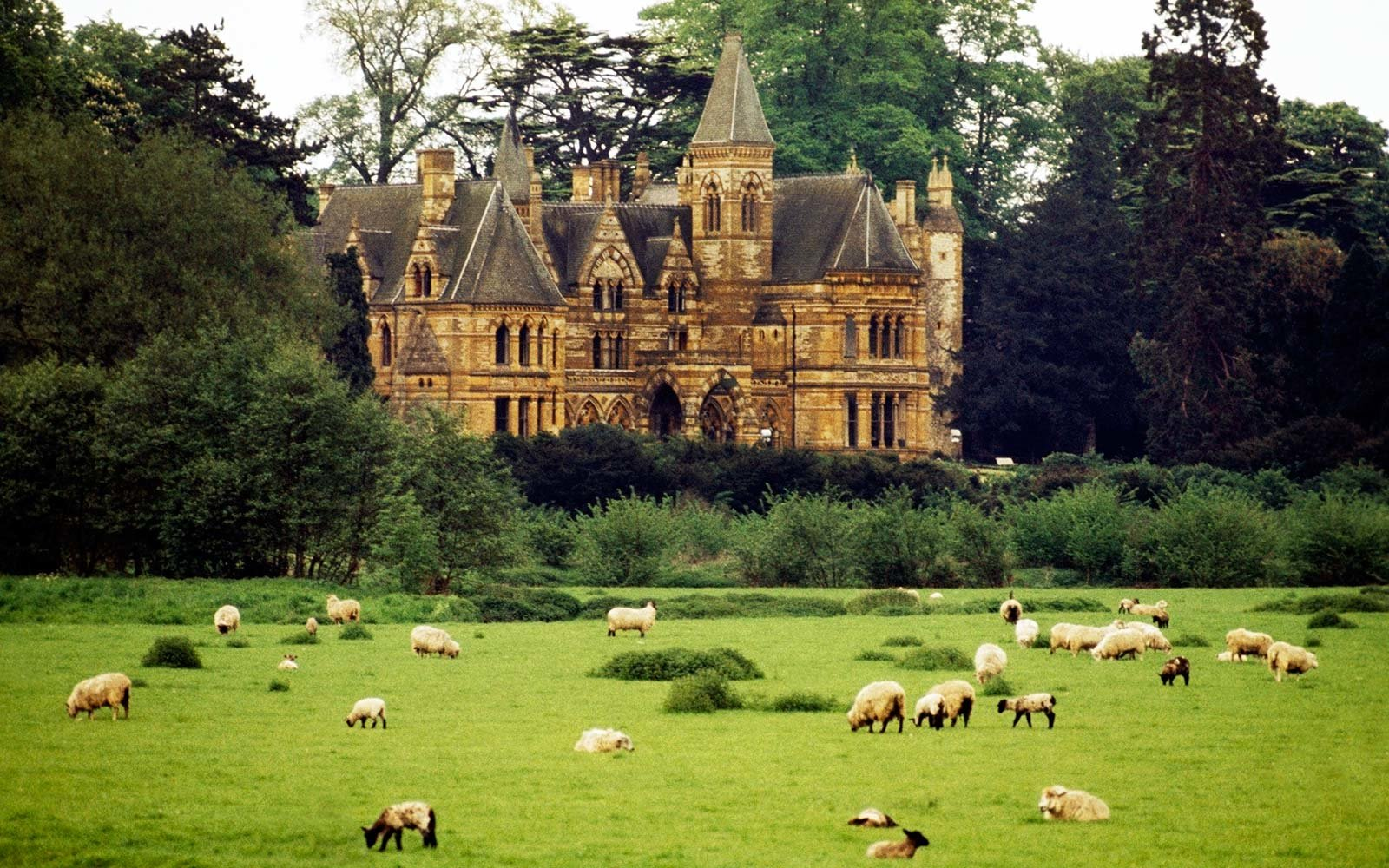 ettington park hotel warwickshire england haunted castle
